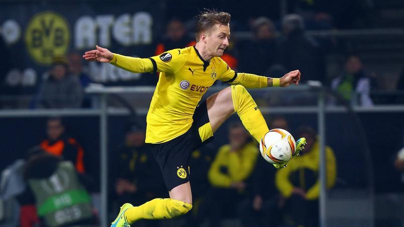 Marco Reus dans ses oeuvres avec le maillot du Borussia Dortmund.
