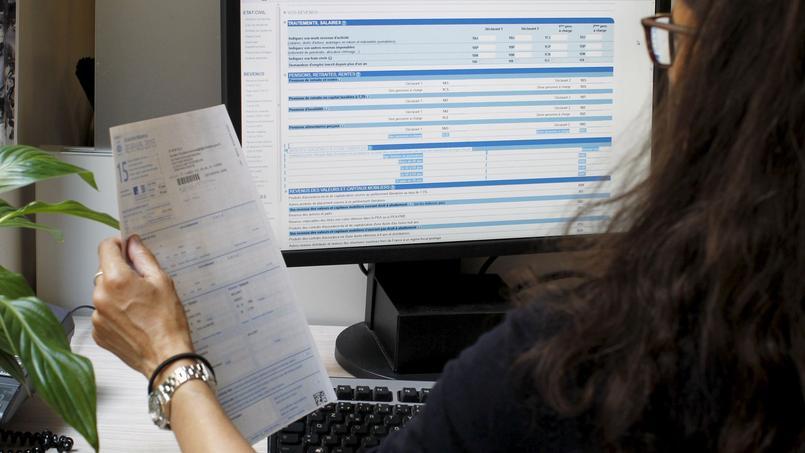 Si un élu local opte pour une retenue à la source de ses indemnités de fonction, il bénéficie d'un abattement fiscal de 650 à 975 euros.