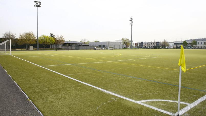 Et si les terrains de football synthétiques étaient cancérigènes ?