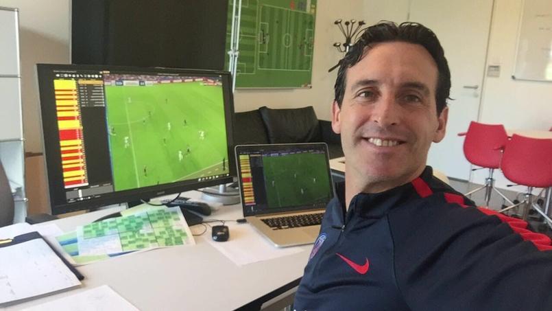 Unai Emery, l'entraîneur du PSG, s'adapte plutôt bien à la vie parisienne.