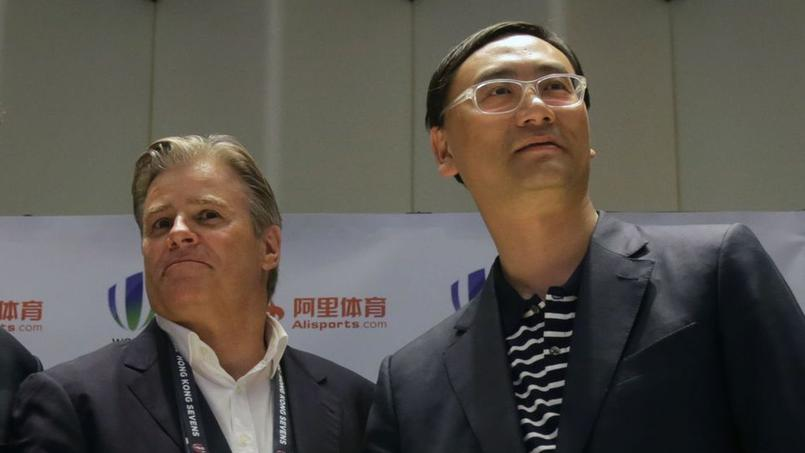 Brett Gosper (Wolrd Rugby) et Dazhong Zhang (Alisports).