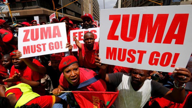 Des milliers de manifestants ont réclamé le départ de Jacob Zuma ce mercredi à Pretoria.