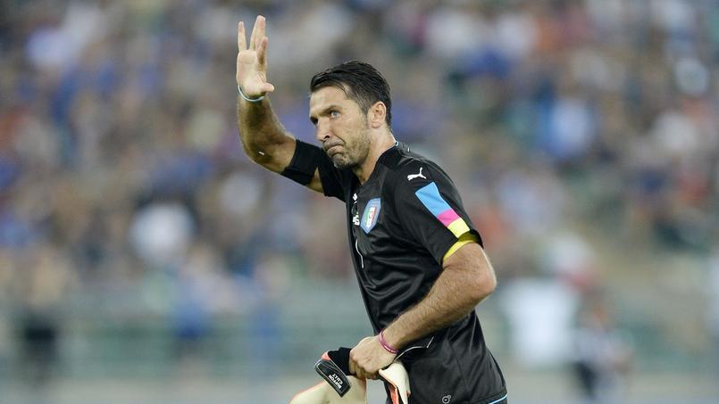 Après avoir montré l'exemple, Gianluigi Buffon honorait sa 167e sélection avec l'Italie.