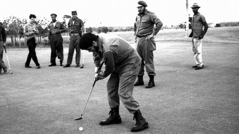 Fidel Castro s'adonne au golf en 1960