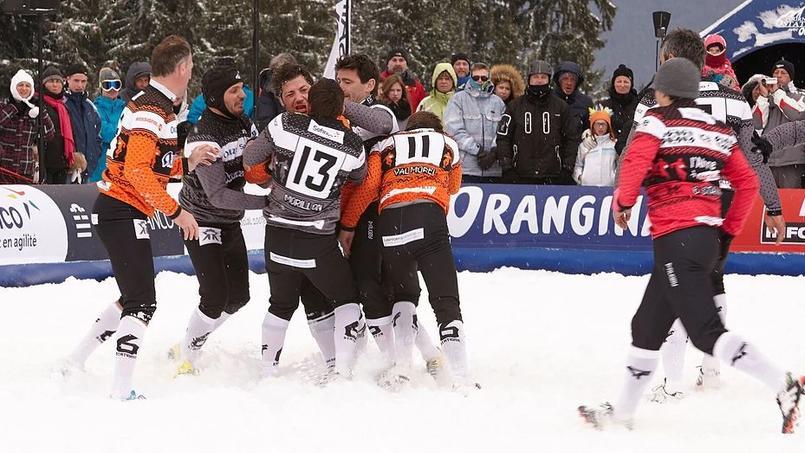 Un match à Saint-Gervais lors de l'édition 2016 du Tournoi des six stations.