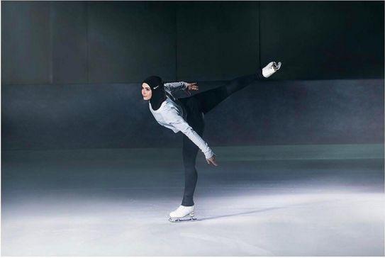 La patineuse émiratie, Zahra Lari, porte un «hijab nike pro». Source: profil Instagram