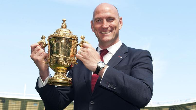 Quand des rugbymen poussent un Airbus pour les besoins d'une publicité