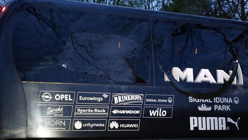 Le bus du Borussia Dortmund attaqué alors qu'il se rendait au stade pour affronter l'AS Monaco.
