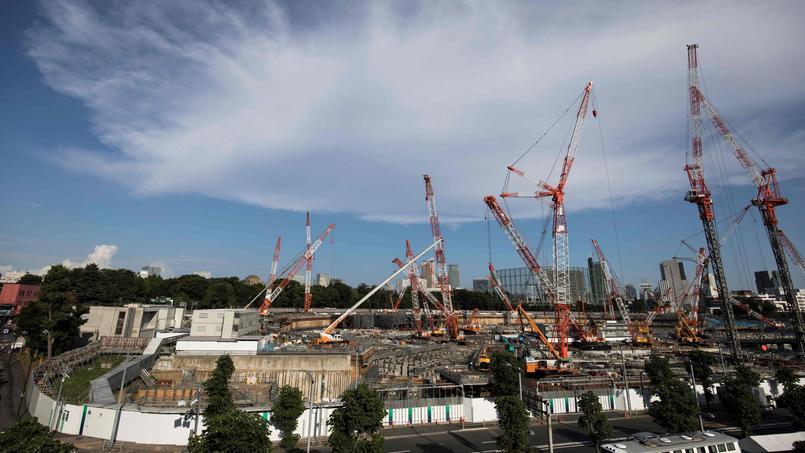 Sur le site de construction du futur stade national