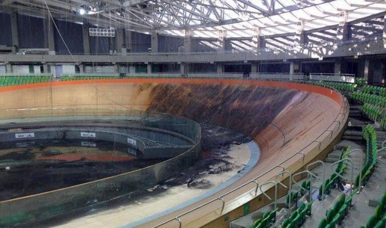 Le vélodrome olympique a été endommagé par un incendie cet été.