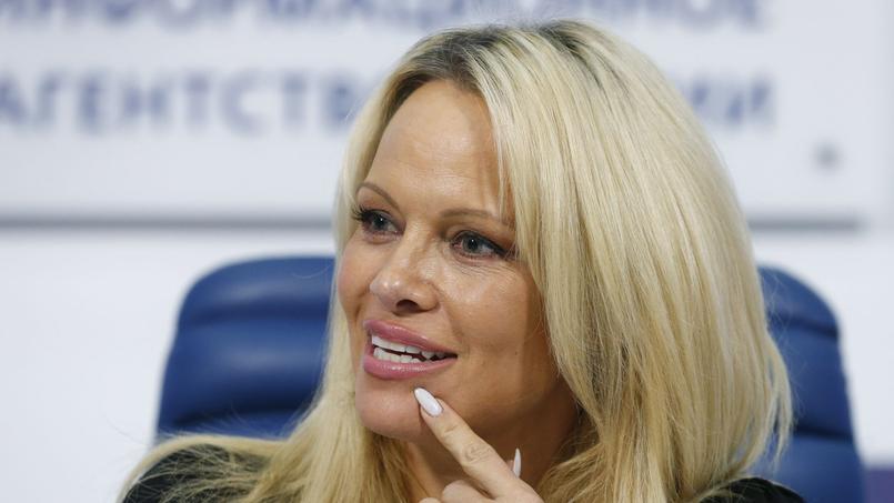 Pamela Anderson au stade Vélodrome pour Adil Rami