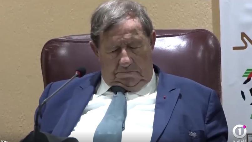 Guy Roux s'endort en pleine conférence en Algérie