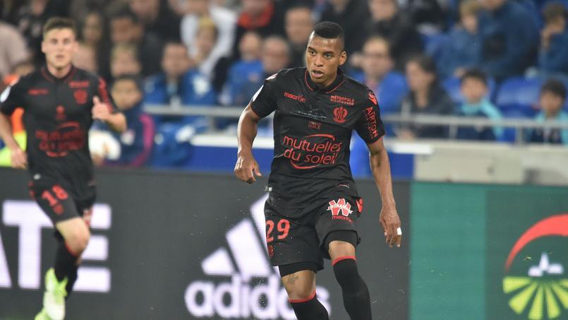 OGC Nice : un joueur menacé de mort par les supporters quand il est parti