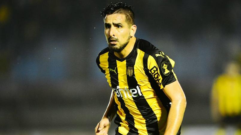 Lucas Viatri, attaquant international argentin de Peñarol Montevideo.