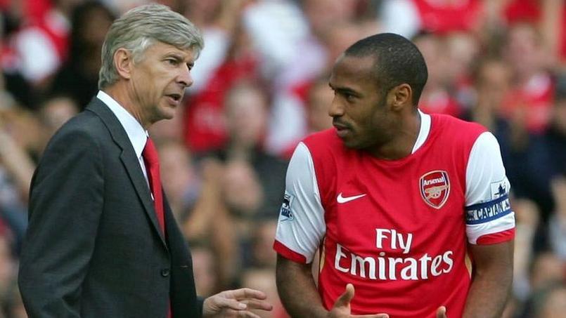 Arsène Wenger en compagnie de Thierry Henry sous le maillot d'Arsenal en 2006.