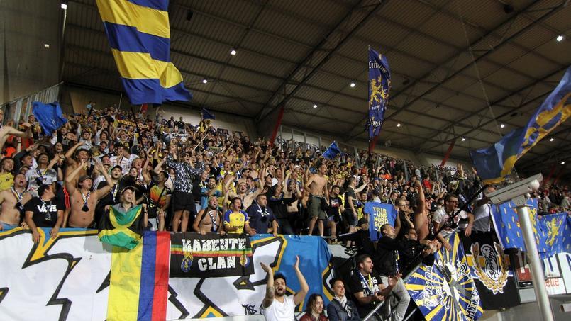 Sochaux triple le prix des places pour la venue du PSG, les fans en colère