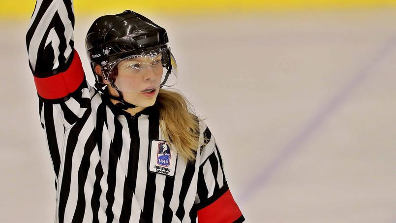 Arbitre en hockey sur glace.