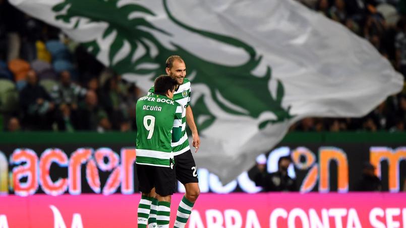 Les joueurs du Sporting Portugal violemment agressés par des supporters cagoulés