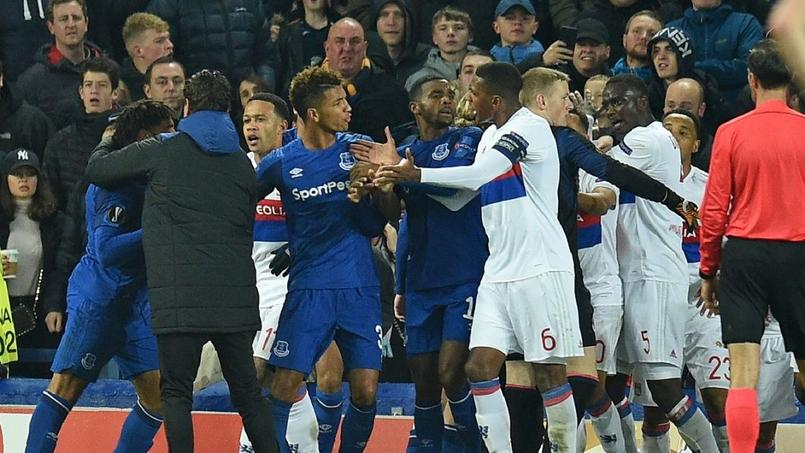 Prison pour un supporter d'Everton auteur de violences bébé au bras