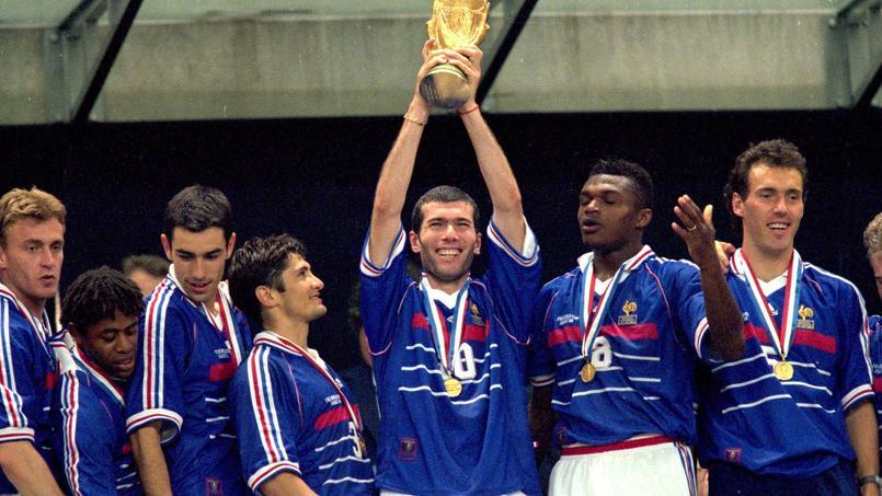 12 juillet 1998 : la France sur le toit du monde, marée humaine sur les Champs-Élysées