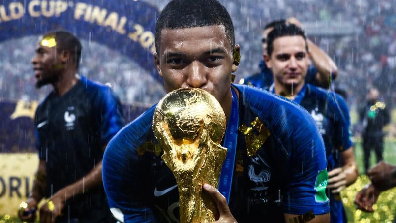 Coupe du monde 2018 : le soir du sacre, Mbappé a laissé son smartphone de côté
