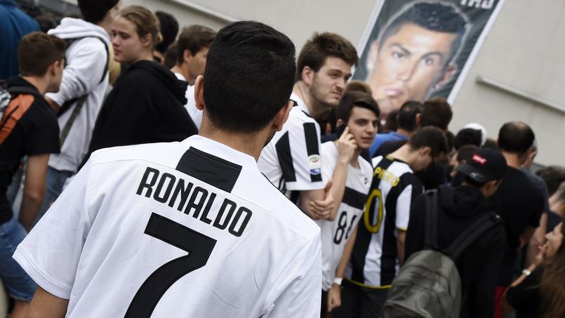 À Turin, Cristiano Ronaldo fait vendre deux maillots par minute