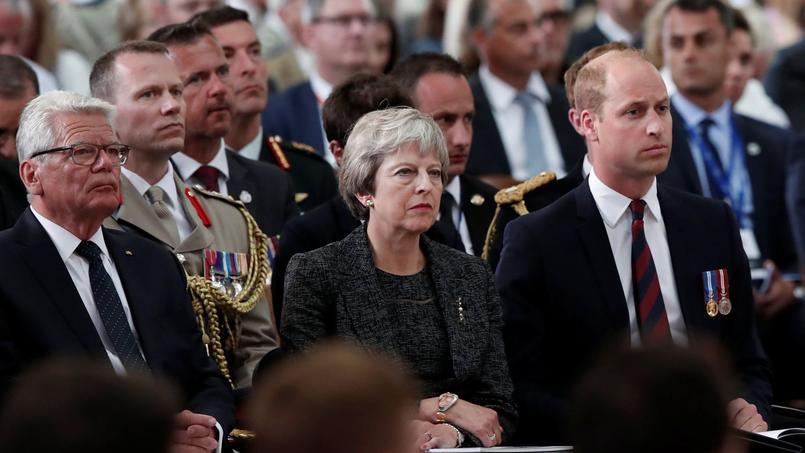 Theresa May et le prince William commémorent la bataille d'Amiens