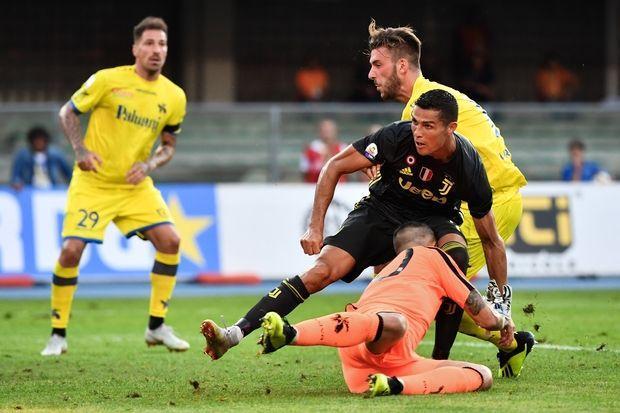 Cristiano Ronaldo a fracturé le nez du gardien adverse pour son premier match de la saison