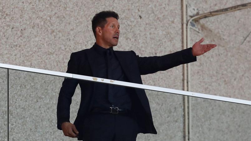 Installé en tribunes car suspendu, Diego Simeone n'en était pas moins intenable, mardi à Monaco.