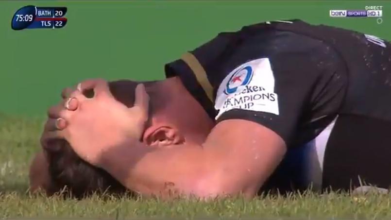 Freddie Burns est effondré. Il vient de laisser échapper la victoire de son équipe face à Toulouse.