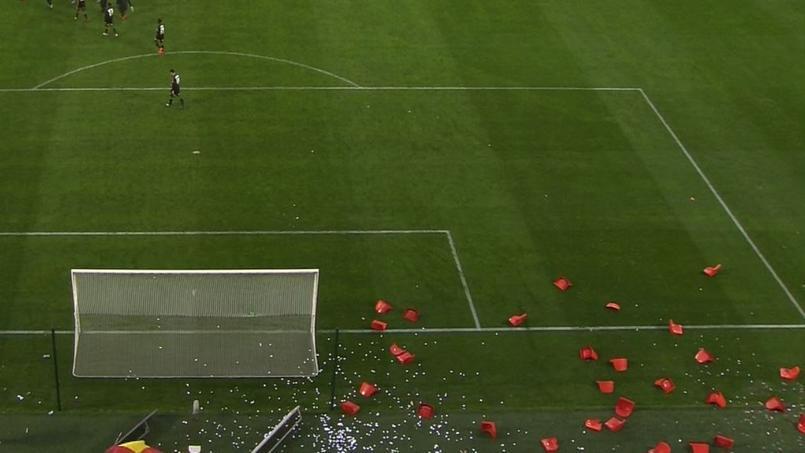 Les sièges du parcage visiteur ont terminé leur après-midi sur la pelouse du stade du Hainaut.
