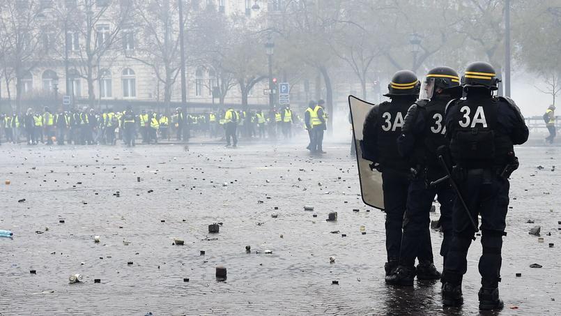 «Gilets jaunes» : les syndicats de policiers appellent eux aussi à la mobilisation
