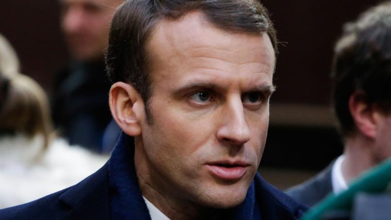 Macron va présenter une stratégie de protection de l'enfance au premier semestre 2019