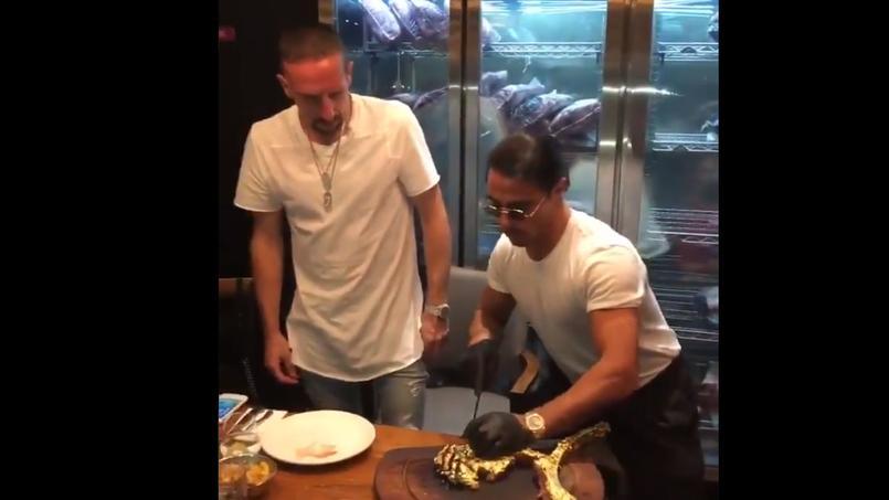 Franck Ribéry s'offre une entrecôte recouverte d'or … à 1.200 euros