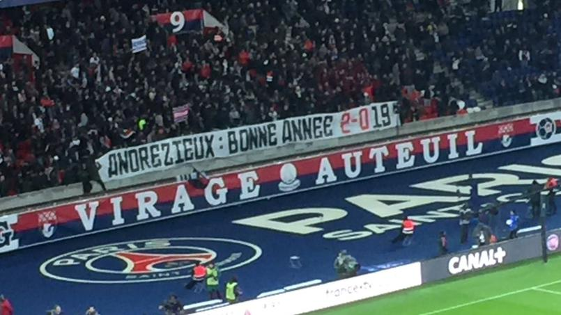 Avant le flop face à Guingamp, les fans parisiens chambrent l'OM éliminé par Andrézieux