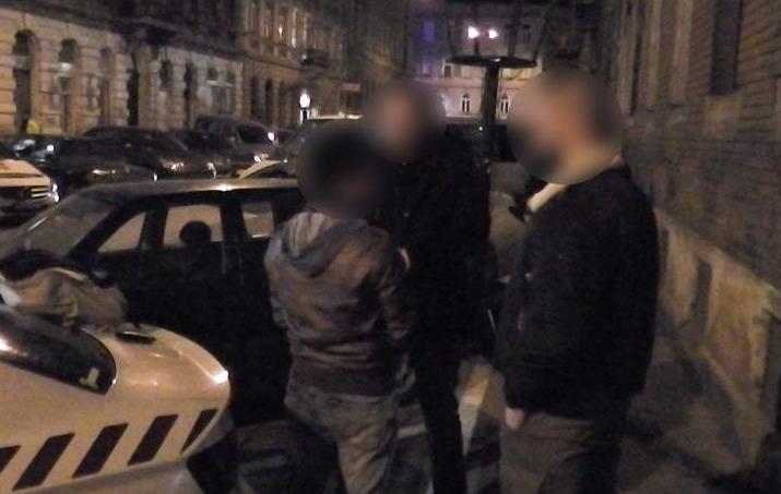 Les services de police hongrois mènent l'interpellation du hacker portugais Rui Pinto.