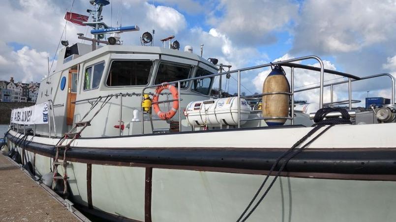 Les recherches ont redémarré au nord de l'île de Guernesey ce dimanche matin.