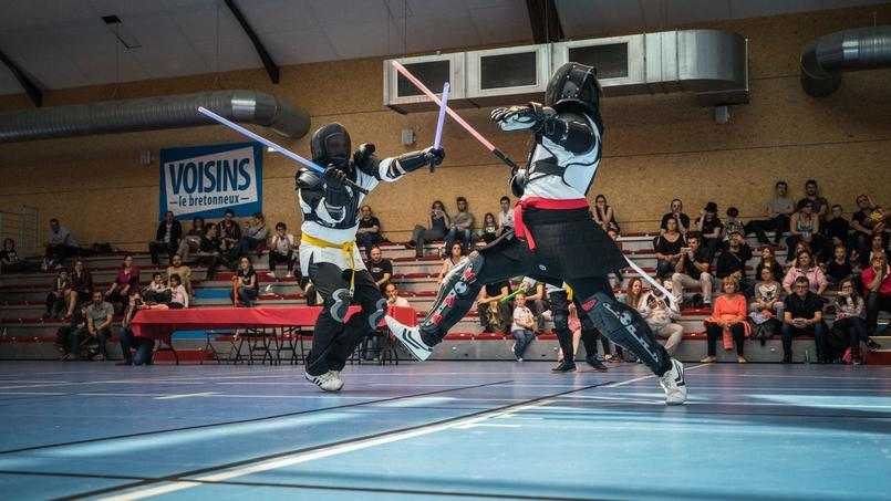 Un duel de sabre laser à la sauce «Star Wars»