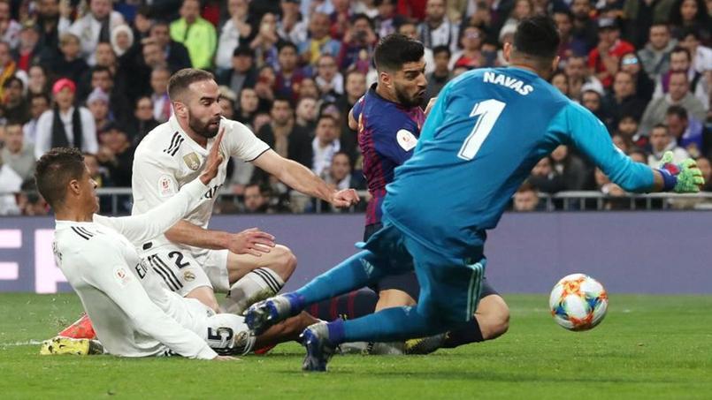 L'action sur laquelle Raphaël Varane s'est blessé face à Barcelone.