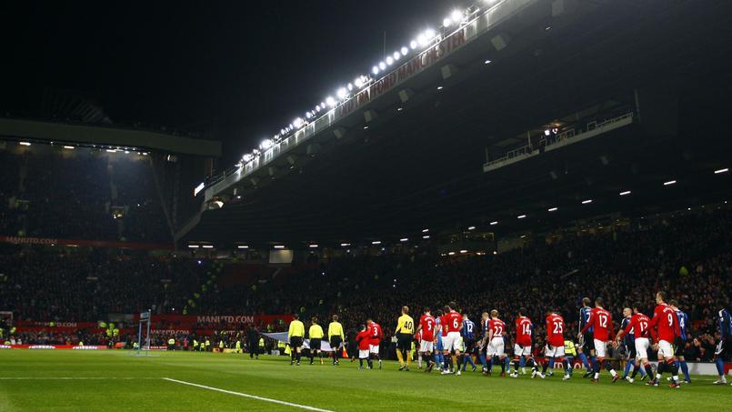 Old Trafford, l'antre de Manchester United, peut accueillir 75.000 personnes à chaque rencontre.
