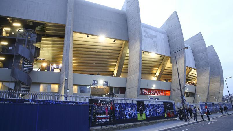 Les joueurs du Paris SG ont été confrontés à la colère des supporters dimanche au Parc des Princes.