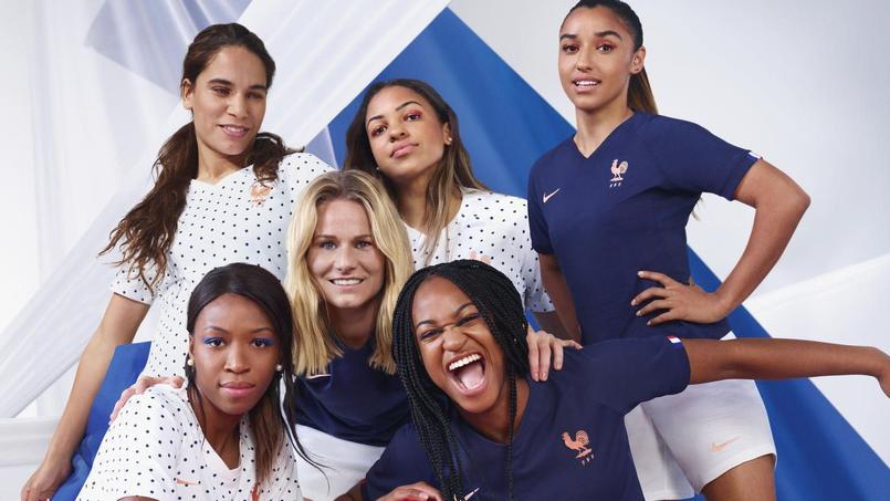 Les nouveaux maillots de l'équipe de France seront disponibles au mois de mai.