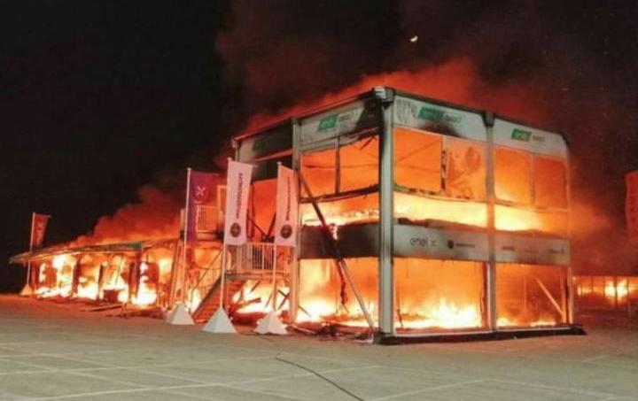 Un incendie ravage la MotoE, la saison pourrait être menacée