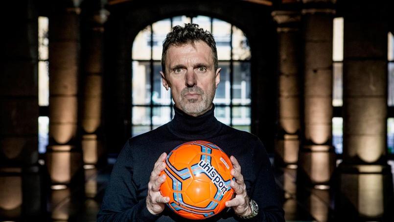 Pierre Maes, auteur d'une enquête sur le business des droits du foot.