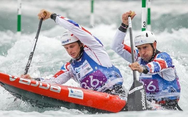 Etienne Stott, à l'arrière, a décroché la médaille d'or olympique en C2 à Londres.