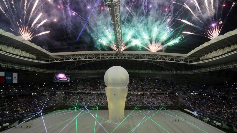 Mondial 2022: Le Qatar a inauguré son premier stade climatisé