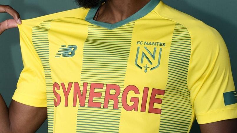 Le nouveau maillot et le nouveau logo du FC Nantes
