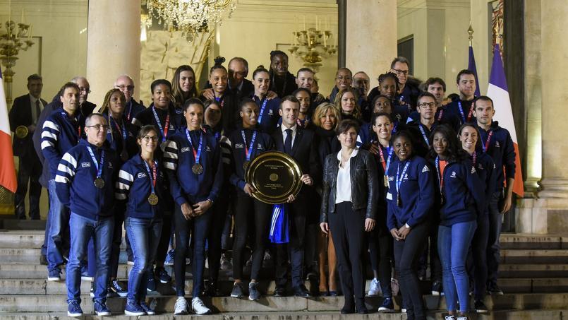 L'équipe de France féminine de handball à l'Elysée