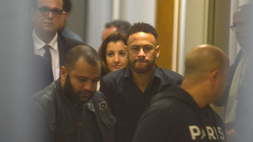 Quatre semaines d'arrêt pour Neymar — PSG