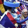 Moins organisé, le public français a su répondre présent en compagnie d'un supporteur mexicain qui semble s'être perdu à Saint-Denis.